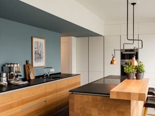 Modern Kitchen by ApM-media Modern