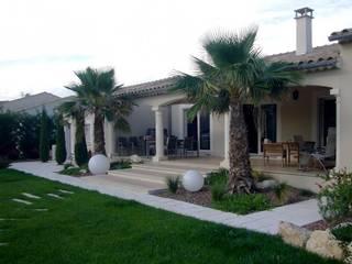 Casas de estilo moderno por Bellerive Jardin