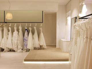 White Le Spose Negozi & Locali commerciali moderni di Onice Moderno
