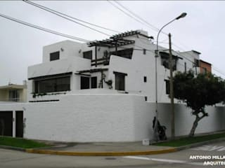 VIVIENDA BIFAMILIAR: Casas de estilo colonial por Antonio Milla De León Arquitecto