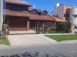 Vivienda Unifamiliar : Casas de estilo  por Grupo A3 Constructora
