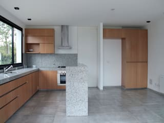 Estudio .m Modern Kitchen