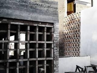 Casa Patios - Santiago del Estero (2014) Paredes y pisos coloniales de estudio 1/4 Colonial
