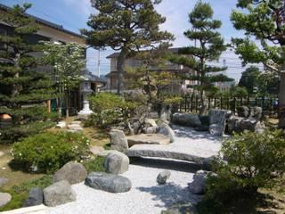株式会社 砂土居造園/SUNADOI LANDSCAPE Jardines de estilo ecléctico