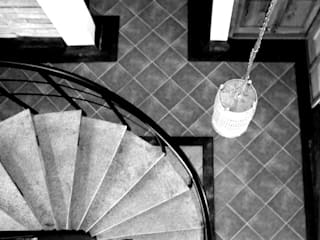 Interlock House BETWEENLINES Country style walls & floors