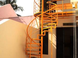 Navgati BETWEENLINES Rustic style corridor, hallway & stairs Iron/Steel