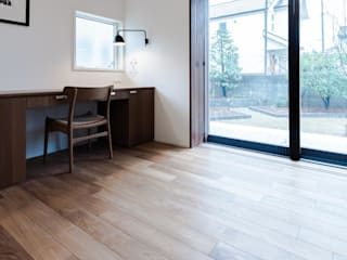 素材感と性能を両立する平屋住宅 モダンデザインの ダイニング の オーガニックスタジオ兵庫株式会社 モダン