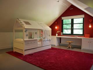 Dormitorios infantiles de estilo  por Designa Interieur & Architectuur BNA
