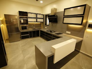 Residential interiors for Mr.Siraj at Chennai:  Kitchen by Offcentered Architects