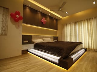 Residential interiors for Mr.Siraj at Chennai:  Bedroom by Offcentered Architects