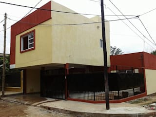 房子 by GM Arquitectura&Construcción, 現代風