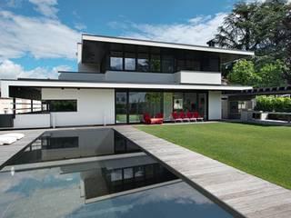 MITTE IN DEN BERGEN Moderne Pools von Ecologic City Garden - Paul Marie Creation Modern