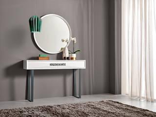 por Intense mobiliário e interiores;