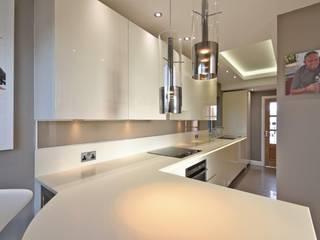 Hoolickin project Modern kitchen by Diane Berry Kitchens Modern