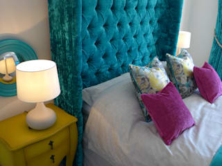 deep buttoned headboard: classic Bedroom by Style Within
