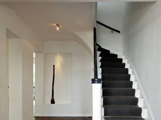 Corridor & hallway by Innendesigner Kemper & Düchting GmbH,