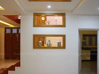 Show Unit Near Stair:  Corridor & hallway by Space - interior Ideas