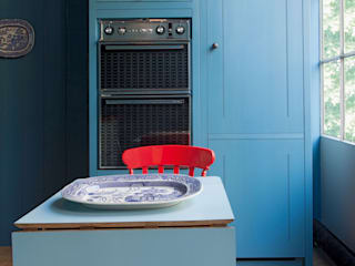 N1 Kitchen by British Standard British Standard by Plain English Classic style kitchen Wood Blue