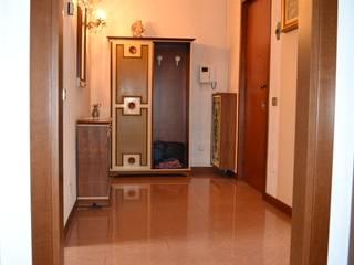 Interior design abitazione privata Ingresso, Corridoio & Scale in stile classico di WE MAISON Classico