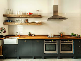 W10 Kitchen by British Standard British Standard by Plain English Cucina in stile rustico Legno Nero