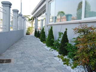 Jardines de estilo moderno de Lugo - Architettura del Paesaggio e Progettazione Giardini Moderno