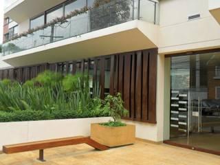 Acceso edificio Lyra: Casas de estilo  por Arquitectura Integral LTDA