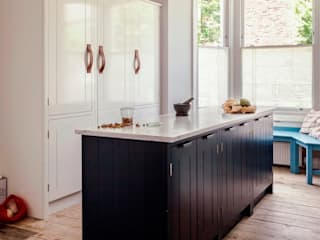 W12 Kitchen by British Standard British Standard by Plain English 廚房 木頭 Blue