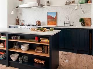 W12 Kitchen by British Standard Cuisine rustique par British Standard by Plain English Rustique Bois Effet bois
