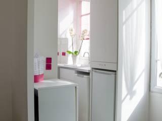 Micro cuisine de 3 m²: Cuisine de style de style Moderne par Emilie Lagrange