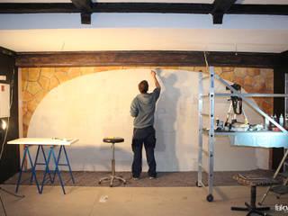 Illusionsmalerei I Wandmalerei Weinkeller im Restaurant Divino in Celle Ausgefallene Häuser von fialkowske design Ausgefallen