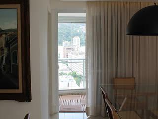 Apartamento Botafogo Salas multimídia modernas por Julia Queima Arquitetura Moderno