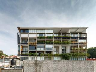 Modern houses by A.flo Arquitectos Modern