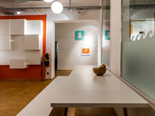 Office Space in Hamburg, Germany. de Pamela Kilcoyne - Homify Moderno