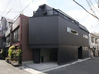 saikudani no ie 一級建築士事務所アトリエm Modern houses Iron/Steel Black