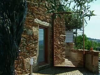 Recuperação de Habitação | Casa do Monte - Caminha, Portugal:   por Ricardo Azevedo Arquitectos