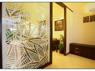Navmiti Designs Nowoczesny korytarz, przedpokój i schody