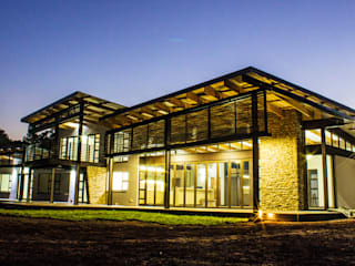 House at Mtunzini River Estate Modern houses by TJ Architects Modern