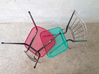 2Monos KitchenTables & chairs
