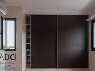 Obra Nueva - Dormitorios y vestidor - Bº Pº Martin Fierro - Yerba Buena:  de estilo  por ADC - ARQUITECTURA - DISEÑO- CONSTRUCCION