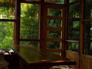 Meson Roble: Cocinas de estilo rústico por PhilippeGameArquitectos
