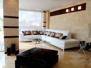 Salones modernos de Arq Renny Molina Moderno