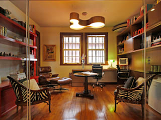 Jacqueline Ortega Design de Ambientes ห้องทำงาน/อ่านหนังสือ