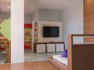 Brinquedoteca - Terra Vita: Quarto infantil  por Zero Uno Studio Arquitetura