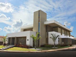 CASA FERRUGEM Casas modernas por PAULO VITICA - ARQUITETO Moderno