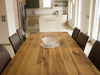 Quintarelli Pietre e Marmi Srl Modern kitchen Stone White