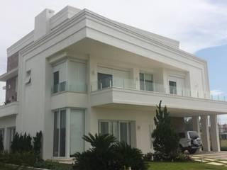 Maisons classiques par Biazus Arquitetura e Design Classique
