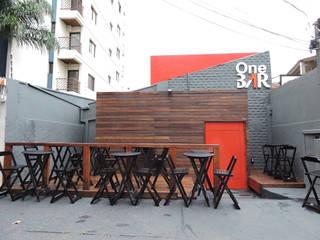 Fachada - Depois:   por SPOT161 arquitetura + design