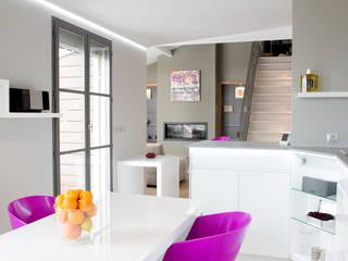 Réhabilitation intérieure et extérieure d'un appartement à Lyon réHome Cuisine moderne Blanc