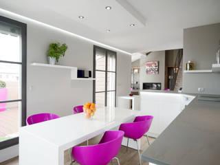 Réhabilitation intérieure et extérieure d'un appartement à Lyon réHome CuisineTables, chaises & bancs