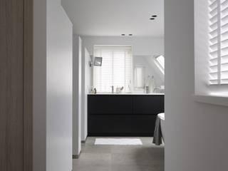 Baños de estilo  de ENZO architectuur & interieur